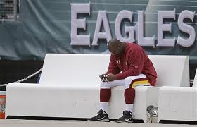 Albert Haynesworth on Eagles bench