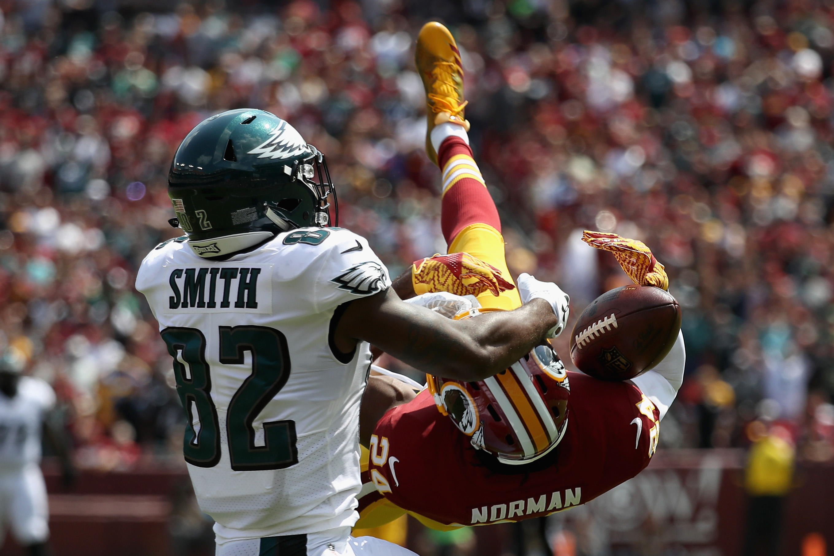 Eagles visit Chiefs and Cowboys face Broncos on FOX43's Sunday NFL lineup